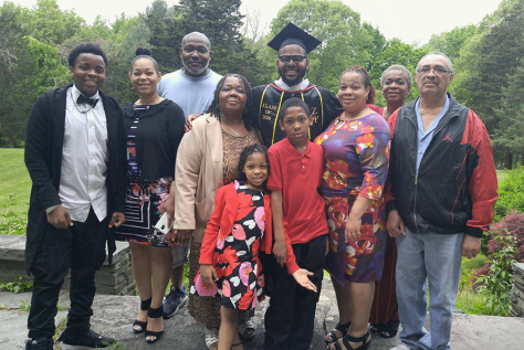 Jay-Arzu-Family-Graduation