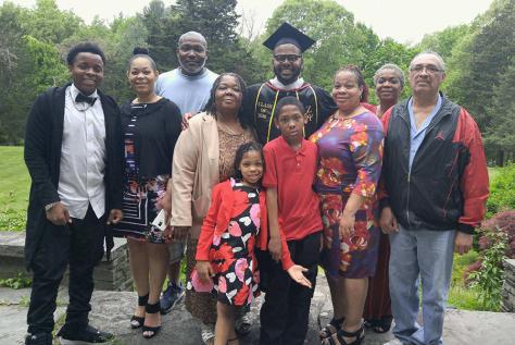 Jay-Arzu-Family-Graduation